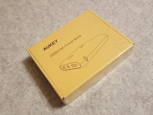 aukey-mobile-battery-10000mah-pb-n42-review004