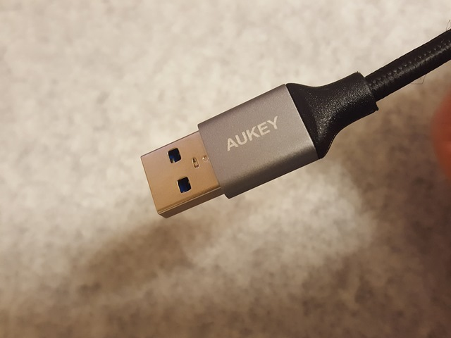 aukey-usb-c-usb-3-0-cable-5-set-cb-cmd2-review005