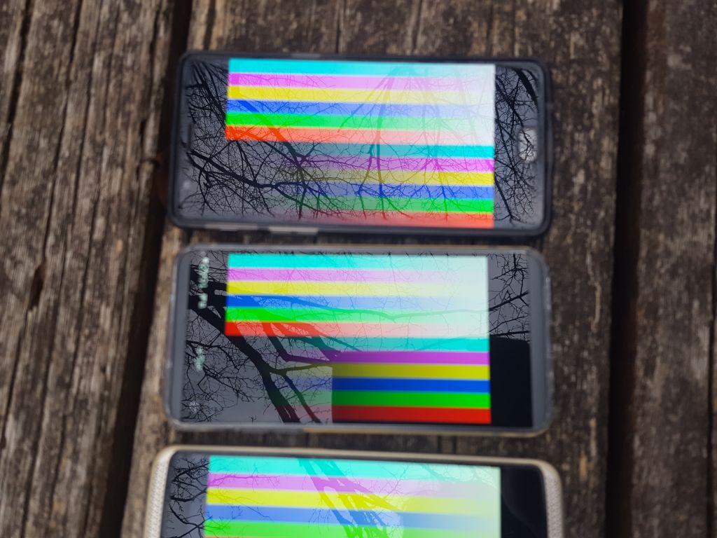 LG V20 PRO L-01J ディスプレイ