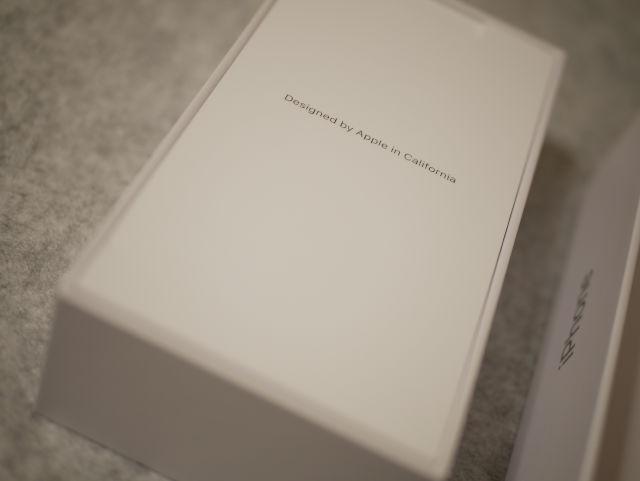 iPhone 8 パッケージ