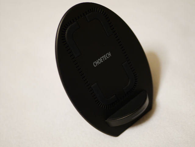CHOETECH Qi急速ワイヤレス充電器 スタンドタイプ 冷却ファン付き T522-S 外見