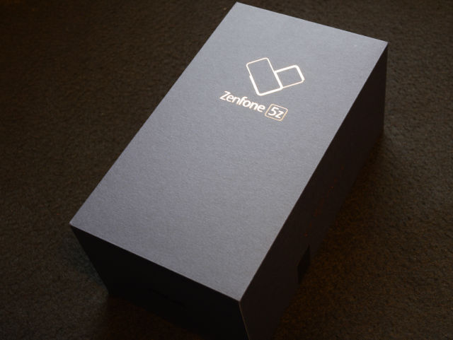 ZenFone 5Z パッケージ