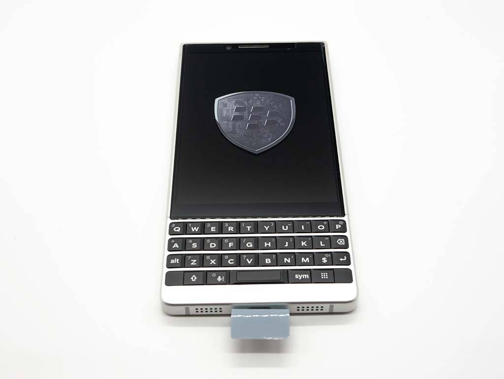 BlackBerry KEY2 外見